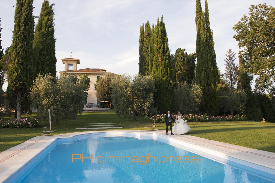 Matrimonio Civile Villa Toscana : Ciminaghipress matrimonio foiano della chiana villa